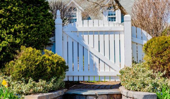 white gate Braintree ma